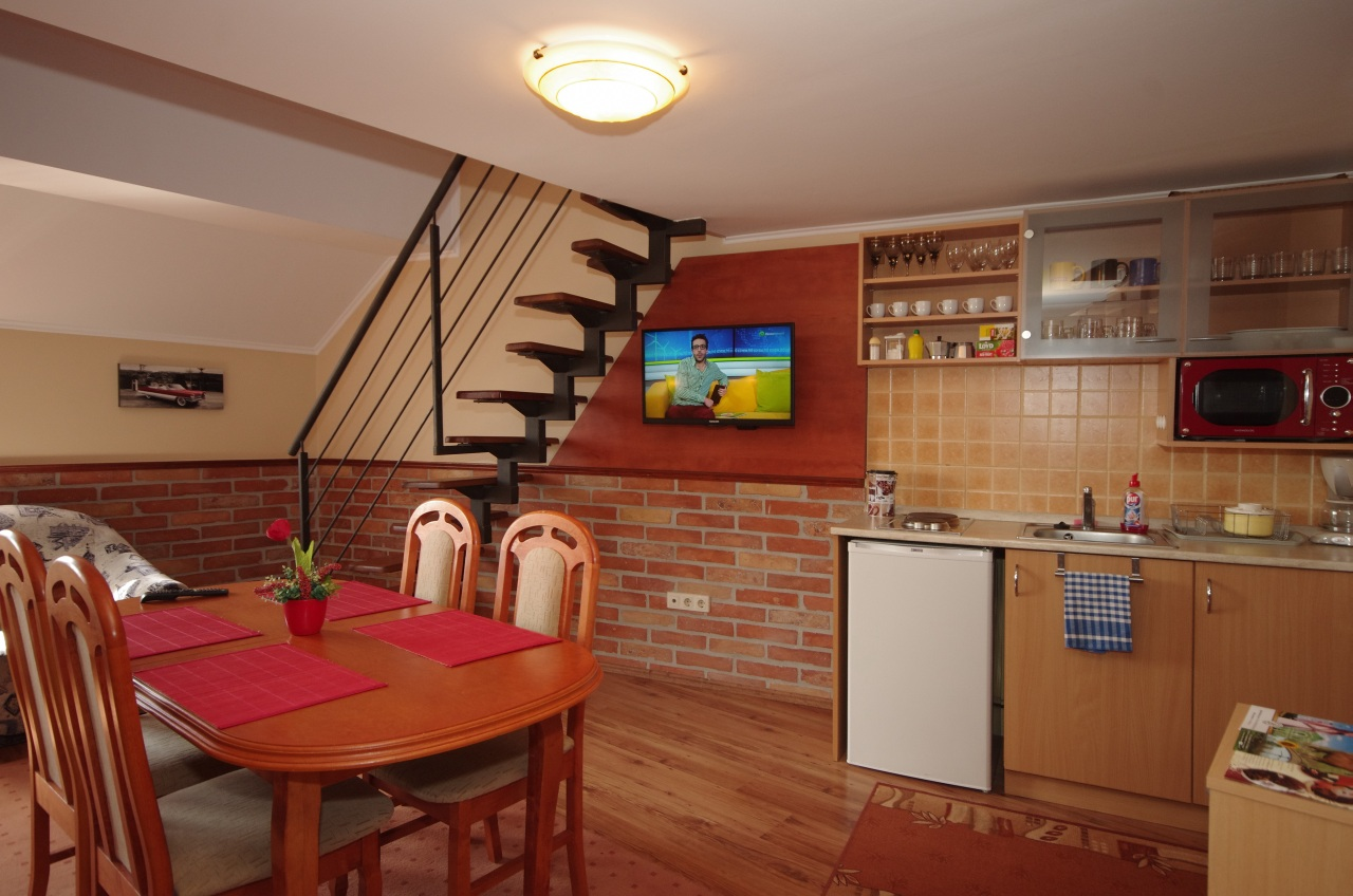 gyula-brill-apartman-rubin-apartmanhaz-kep2